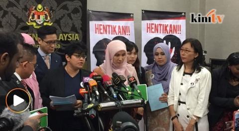 Salah satu saat rare di mana semua ahli dewan rakyat bersatu. Gambar dari malaysiakini.com